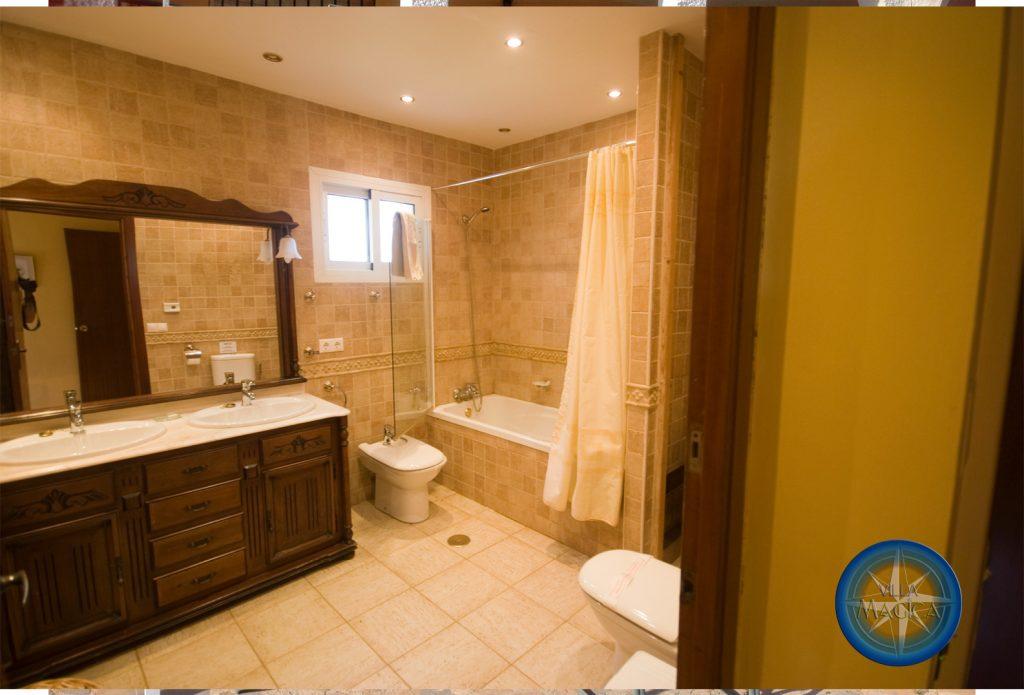 Villa Magica Master Bathroom